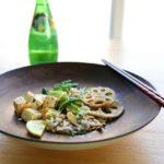 In schwarzem Knoblauch marinierter Tofu