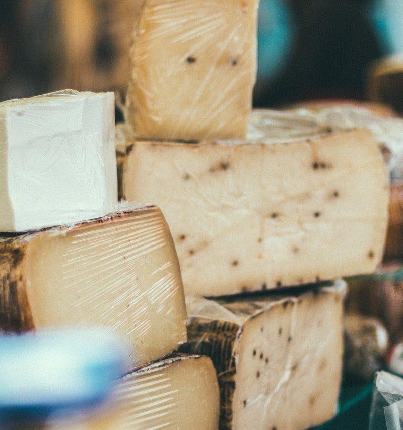 Wie du veganen Käse selber machst, der dich und deine Freunde begeistert.